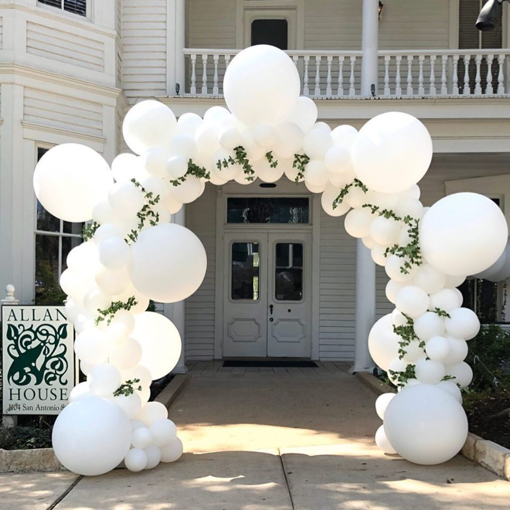 Let me help make your Wedding entrance white Bubble balloon Arch _ click for video #balloonarch Let me help make your Wedding entrance white Bubble balloon Arch _ click for video #balloonarch