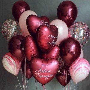Композиции из шаров с сердцами